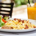 Scrambled-Eggs-with-bacon